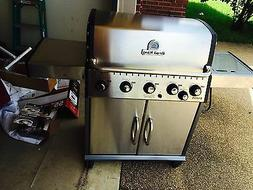 Broil King Baron Black Chrome 5-Burner  Liquid Propane Gas G